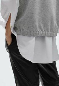 Massimo Dutti - Basic T-shirt - light grey - 2