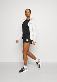 The North Face - RAINBOW SHORT - Sports shorts - black - 1
