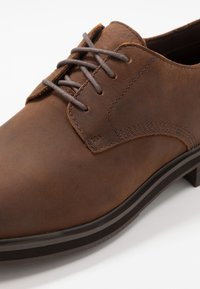 Timberland - WINDBUCKS OX WP - Eleganta snörskor - medium brown - 5