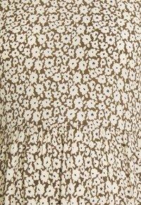 Pieces Maternity - PCMLOUISA MIDI DRESS  - Day dress - sea turtle - 5