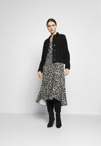 STUDIO ID - JULE DRESS - Denní šaty - beige - 1