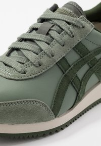 Onitsuka Tiger - NEW YORK - Trainers - burnt olive/pine tree - 5