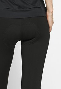Ziener - NABIR X-GEL - 3/4 sportovní kalhoty - black - 4