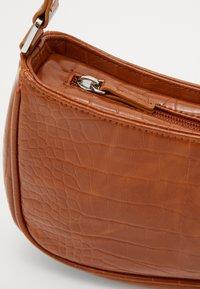 Monki - ODESSA BAG - Käsilaukku - brown - 3
