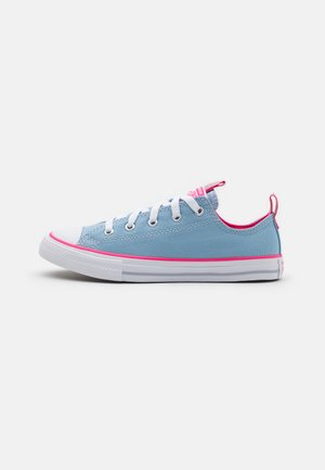 CHUCK TAYLOR ALL STAR COLOR POPPED - Sneakersy niskie - sea salt blue/bold pink/white