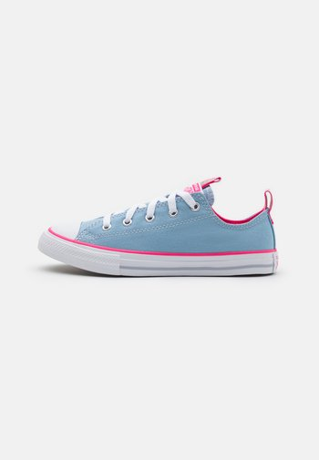 CHUCK TAYLOR ALL STAR COLOR POPPED
