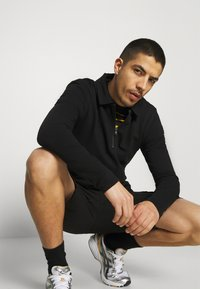 Only & Sons - ONSMIKE LIFE CARGO - Shorts - black - 3