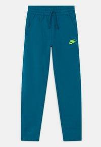 Nike Sportswear - CORE SET - Chándal - green abyss/deep ocean/volt - 2