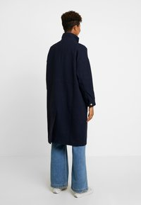 Monki - WILLY COAT - Zimní kabát - navy - 2