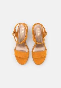 Tamaris - Wedge sandals - mango - 5