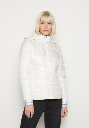 ESSENTIAL SORONA JACKET - Winter jacket - white