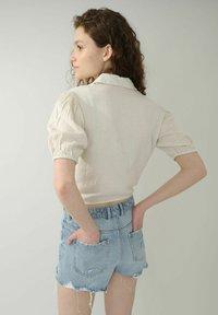 Pimkie - MIT BINDUNG - Button-down blouse - beige - 1