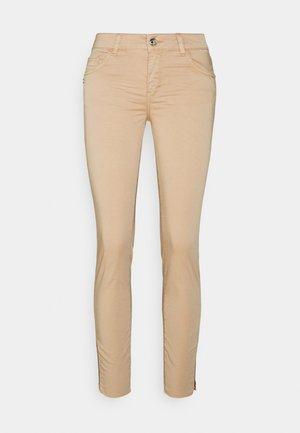 SUMNER DAZE PANT - Trousers - cuban sand