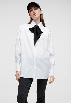 KL MONOGRAM POPLIN - Button-down blouse - white