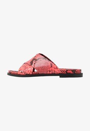 IRINA  - Pantofle - coral