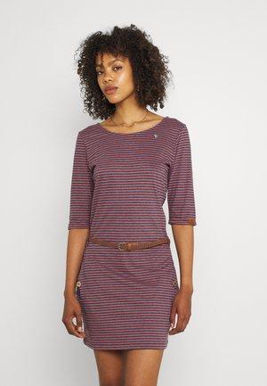 TANYA - Jersey dress - coral