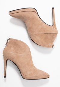 Lola Cruz - High heeled ankle boots - taupe - 3