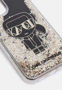 KARL LAGERFELD - IKONIK GLITTER IPHONE 12/12 PRO - Phone case - black - 3