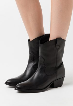 PSSARADA BOOT - Cowboy/biker ankle boot - black