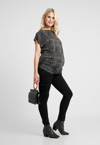 JoJo Maman Bébé - SUPERSTRETCH - Jeans Skinny Fit - black - 1