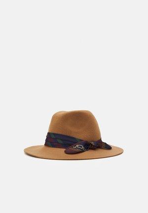 FEDORA HAT - Hat - classic camel