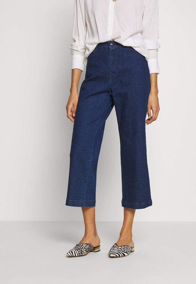 ROSA CULOTTES - Jeans a zampa - denim blue