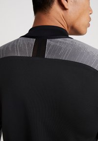 Nike Performance - DRY - Sports shirt - black/wolf grey/anthracite - 3