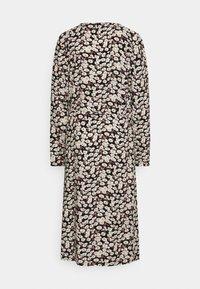 PIECES Tall - PCJUGLA SHIRT DRESS - Košilové šaty - black - 1