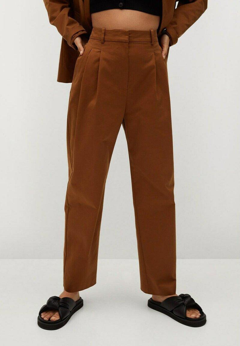 Mango - Trousers - bruin