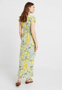MAMALICIOUS - MLLEMON DRESS - Vestido largo - frosty green/lemon - 2