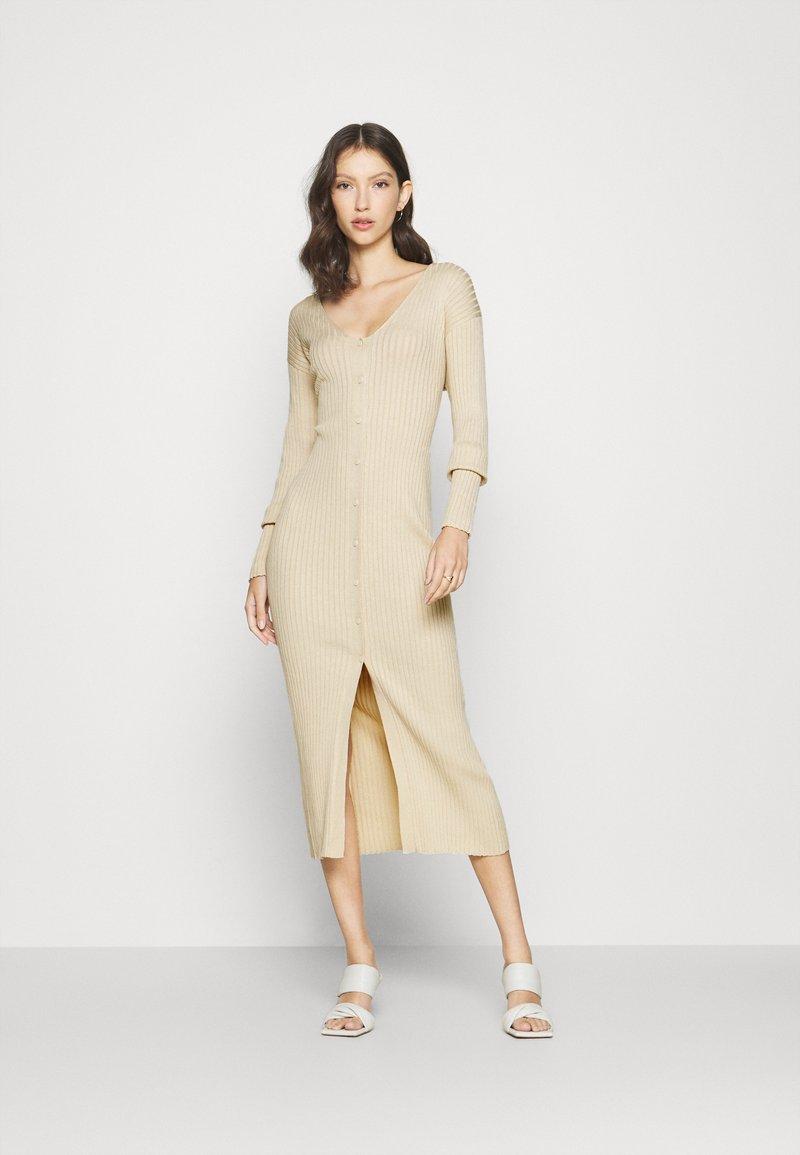 Monki - ALIA  - Vestido de punto - light beige