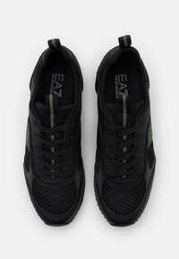 EA7 Emporio Armani - Sneakersy niskie - triple black/grape - 3