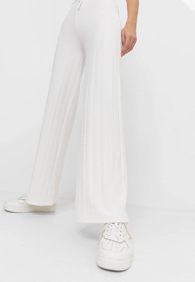 Stradivarius - Trousers - white