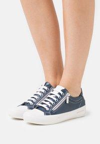 Candice Cooper - DELUXE ZIP - Tenisky - navy/bianco - 0