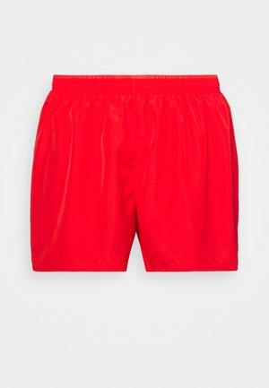 10K SHORT PLUS - Pantalón corto de deporte - chile red/university red