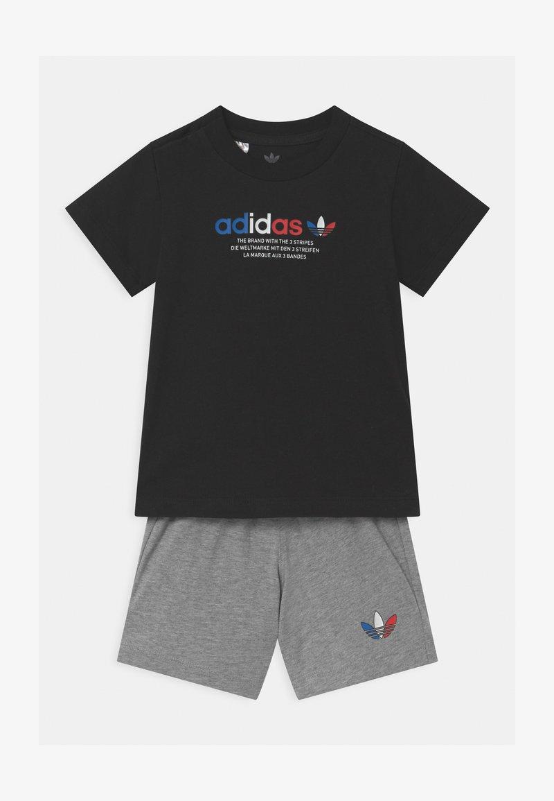 adidas Originals - TEE SET UNSEX - Shorts - black/mottled grey