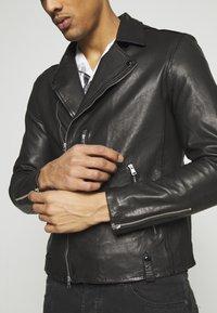 AllSaints - BONDI BIKER - Veste en cuir - black - 5