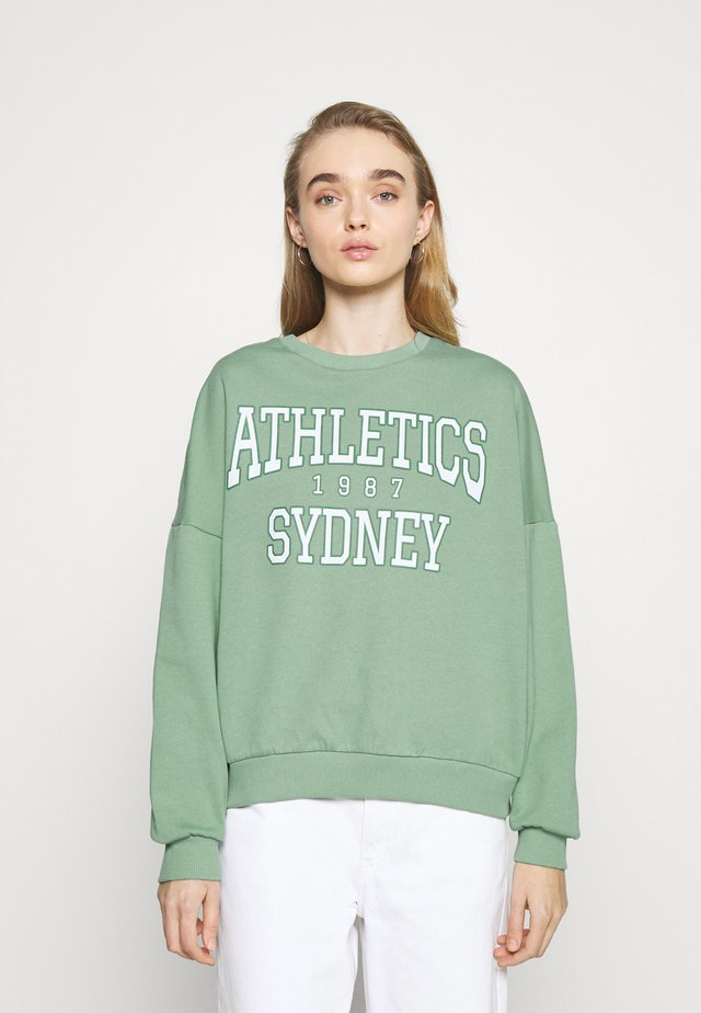 Printed Crew Neck Sweatshirt - Sweatshirt - green