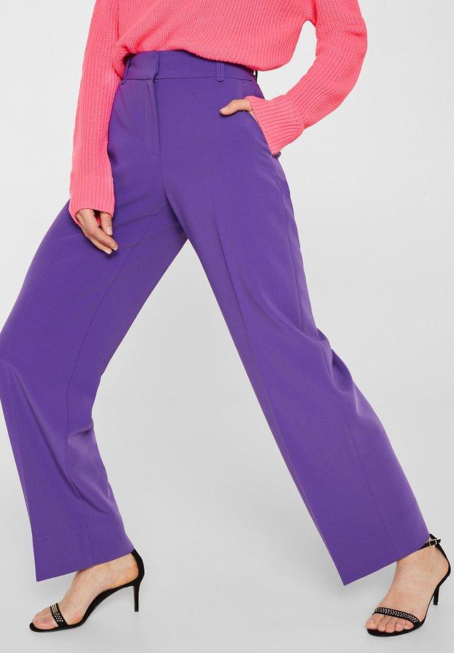 TECHNO TWILL - Trousers - purple