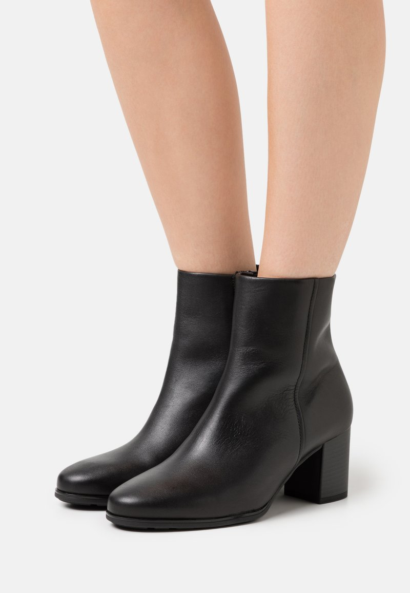 Gabor Comfort - Classic ankle boots - schwarz
