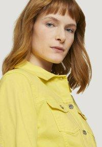 TOM TAILOR - MIT KNITTERDETAILS - Denim jacket - smooth yellow - 3