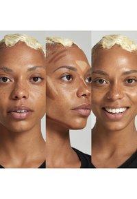 Nyx Professional Makeup - STICK - Contouring - 3 deep - 2