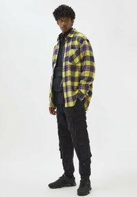 PULL&BEAR - Shirt - yellow - 1