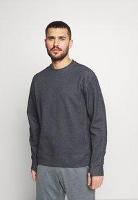 Nike Performance - DRY CREW RESTORE - Sweatshirt - black - 0