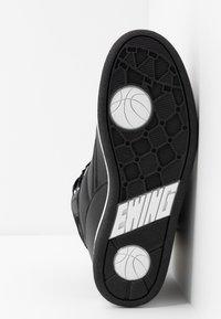 Ewing - 33 HI - Höga sneakers - black/white - 10