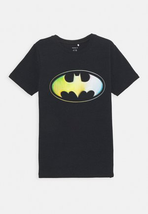 NKMBATMAN KALE - T-shirt z nadrukiem - black