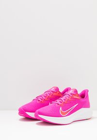 Nike Performance - ZOOM WINFLO  - Zapatillas de running neutras - fire pink/summit white/ember glow - 2