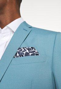 Isaac Dewhirst - PLAIN SUIT SET - Suit - turquoise - 10