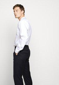 HUGO - HARTLEY - Oblekové kalhoty - dark blue - 4