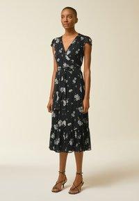 IVY & OAK - WRAP  - Denní šaty - aop/fine flower black - 0